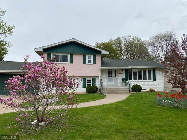 4017 Penrod Lane, Saint Anthony, MN 55421 (#5747072) :: Happy Clients Realty Advisors