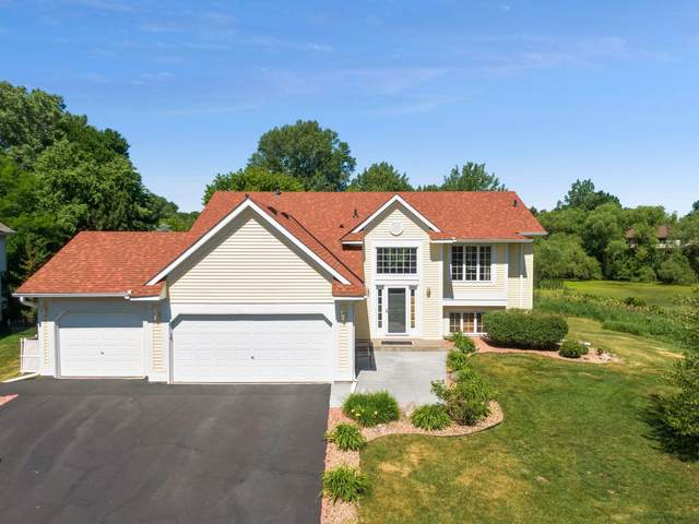2390 Holly Avenue N, Oakdale, MN 55128 (#5751109) :: The Smith Team