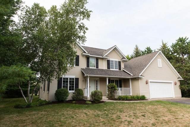 1121 E 6th Street, New Richmond, WI 54017 (#6027593) :: The Pietig Properties Group