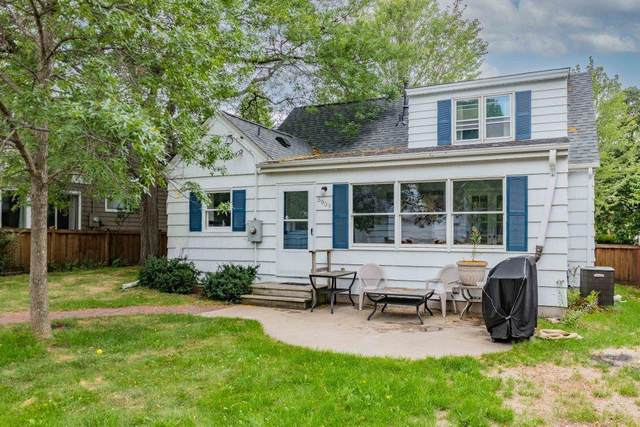 5909 Oliver Avenue S, Minneapolis, MN 55419 (#6087512) :: Holz Group