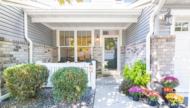 9652 Linden Lane N, Brooklyn Park, MN 55443 (#6109604) :: The Twin Cities Team