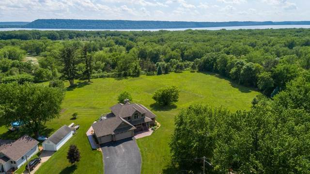 N867 385th Street, Maiden Rock, WI 54750 (#5608056) :: The Janetkhan Group