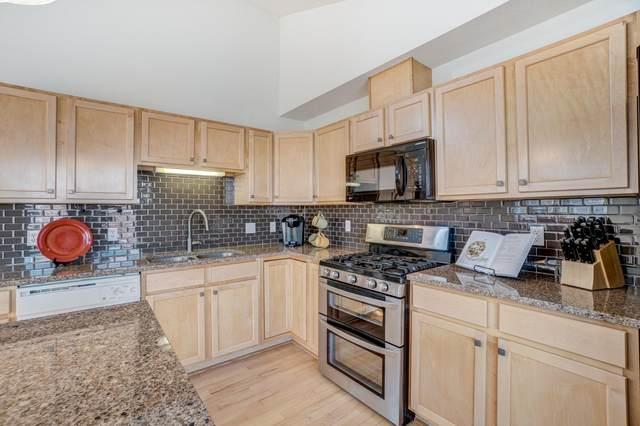 792 Cedar Street, Saint Paul, MN 55103 (#5678770) :: Tony Farah | Coldwell Banker Realty