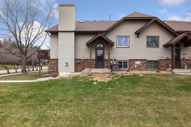 1253 Greenbriar Court #2, White Bear Twp, MN 55110 (#5720826) :: Holz Group