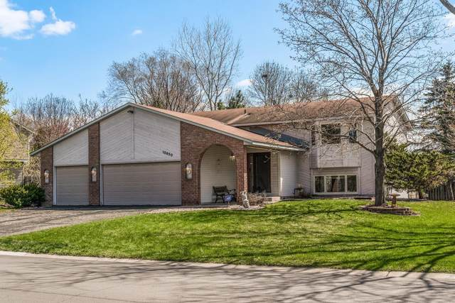 15650 Highview Lane, Apple Valley, MN 55124 (#5729854) :: Tony Farah | Coldwell Banker Realty
