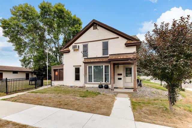 523 E 4th Street, Chaska, MN 55318 (#6013928) :: Bos Realty Group