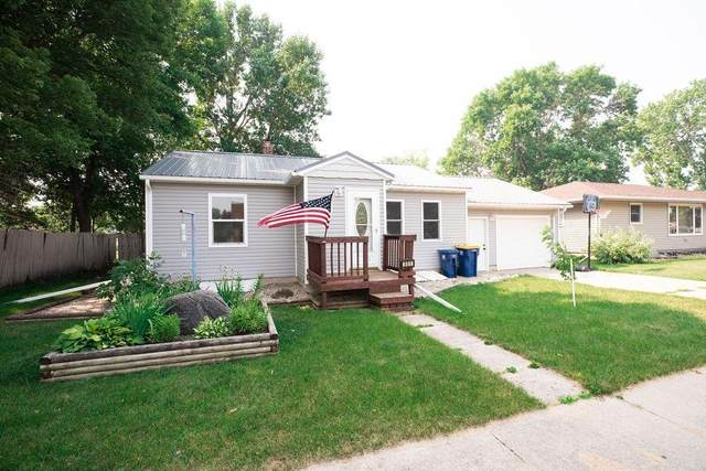 551 Main Avenue, Lafayette, MN 56054 (#6028349) :: Bos Realty Group