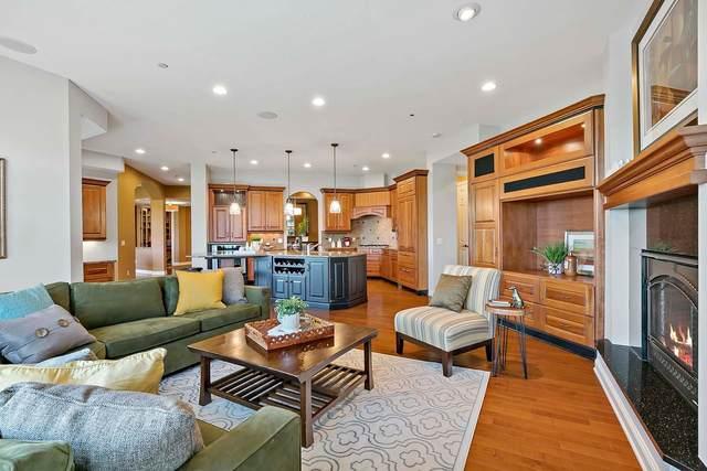555 Oak Ridge Place #220, Hopkins, MN 55305 (#5737610) :: Bre Berry & Company