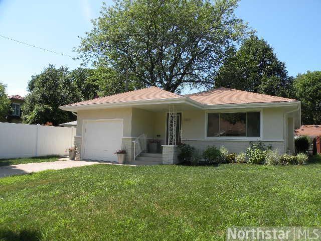 5804 Pleasant Avenue, Minneapolis, MN 55419 (#4357505) :: The Preferred Home Team