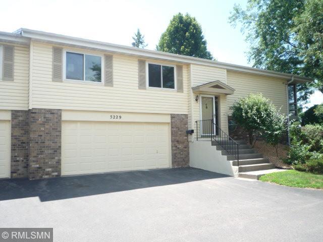 5229 Beachside Drive, Minnetonka, MN 55343 (#4980947) :: The Preferred Home Team