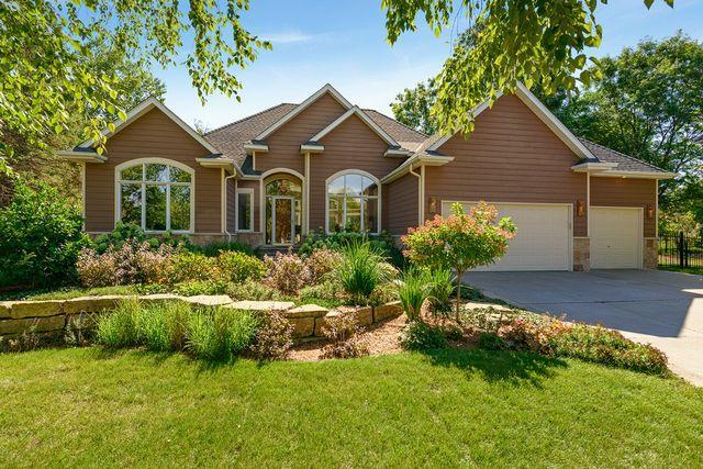 9145 Edinburgh Lane, Woodbury, MN 55125 (#4991255) :: The Snyder Team