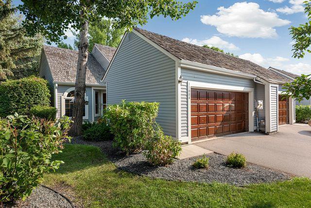 11084 Hyland Terrace, Eden Prairie, MN 55344 (#4991559) :: Twin Cities Listed