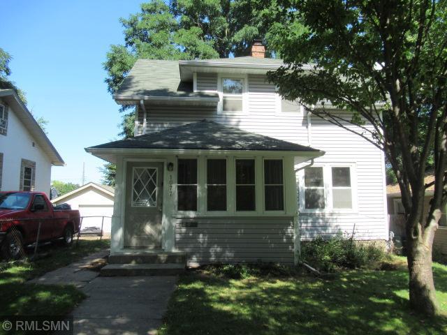 1077 5th Street E, Saint Paul, MN 55106 (#5001425) :: Olsen Real Estate Group