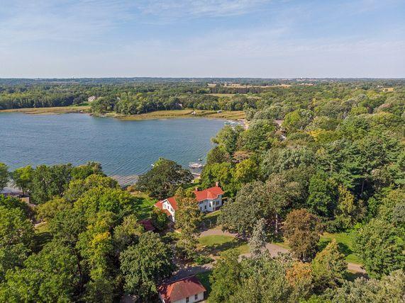 3200 Lake Elmo Avenue N, Lake Elmo, MN 55042 (#5004772) :: The Snyder Team