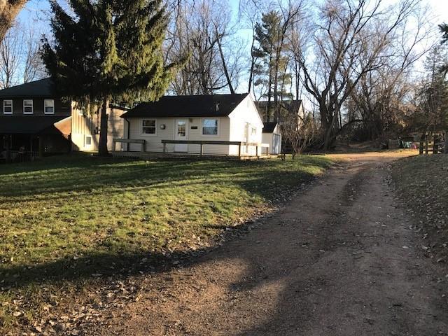 3737 Hickory Road, Chanhassen, MN 55331 (#5006525) :: The Sarenpa Team