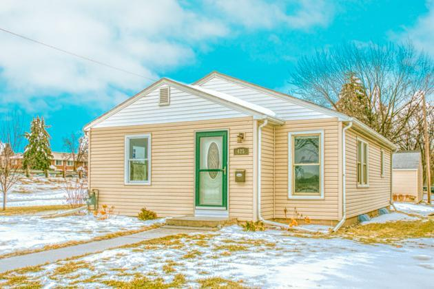 425 15th Avenue N, Hopkins, MN 55343 (#5028408) :: Hergenrother Group