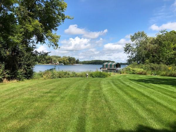 9431 Hwy 101, Chanhassen, MN 55317 (#5139534) :: The Janetkhan Group