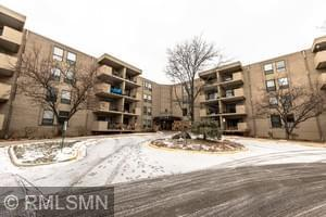 6730 Vernon Avenue S #215, Edina, MN 55436 (#5140173) :: The MN Team