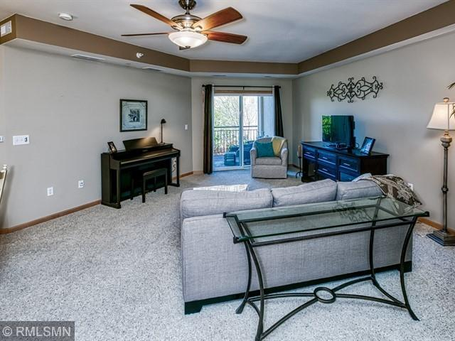12501 Nicollet Avenue #323, Burnsville, MN 55337 (#5228891) :: MN Realty Services