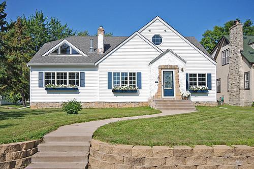 2506 Stinson Boulevard, Minneapolis, MN 55418 (#5240335) :: House Hunters Minnesota- Keller Williams Classic Realty NW
