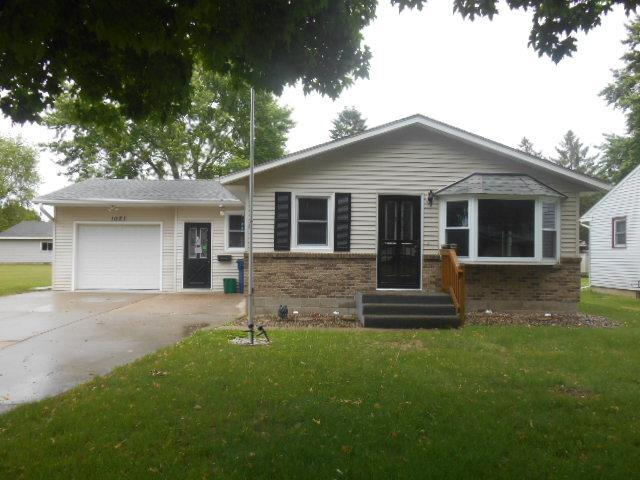1021 W Center Street, Lake City, MN 55041 (MLS #5246326) :: The Hergenrother Realty Group