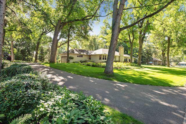 1505 Holdridge Lane, Wayzata, MN 55391 (#5295761) :: House Hunters Minnesota- Keller Williams Classic Realty NW