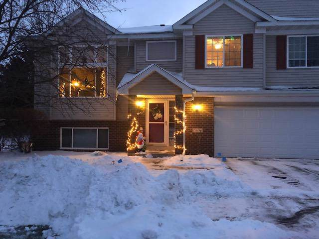15696 Chasewood Court, Rosemount, MN 55068 (#5347272) :: Bre Berry & Company