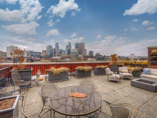 111 4th Avenue N #705, Minneapolis, MN 55401 (#5471686) :: Bre Berry & Company