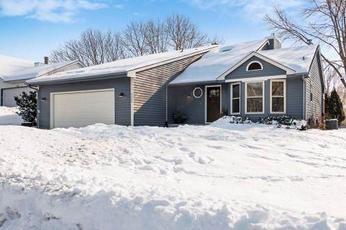6538 Gray Fox Curve, Chanhassen, MN 55317 (#5483312) :: The Janetkhan Group