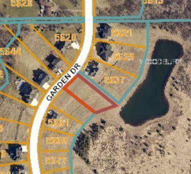5645 Garden Drive, Woodbury, MN 55129 (#5573316) :: Holz Group