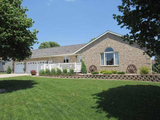 1155 Schaap Drive, Worthington, MN 56187 (#5609159) :: Holz Group