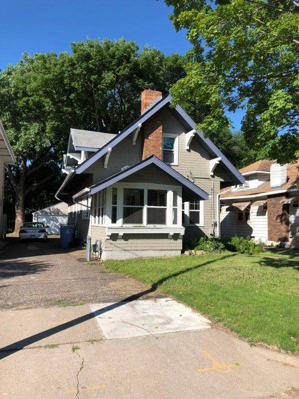 837 Weeks Avenue SE, Minneapolis, MN 55414 (#5616816) :: The Odd Couple Team