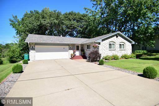4 W Golden Lake Road, Circle Pines, MN 55014 (#5633297) :: Bos Realty Group