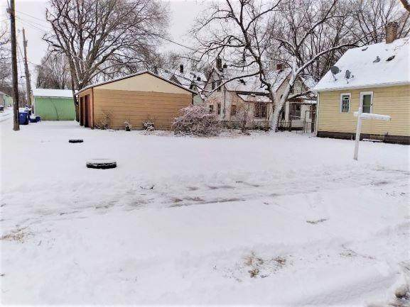 794 Frank Street, Saint Paul, MN 55106 (#5726099) :: Holz Group