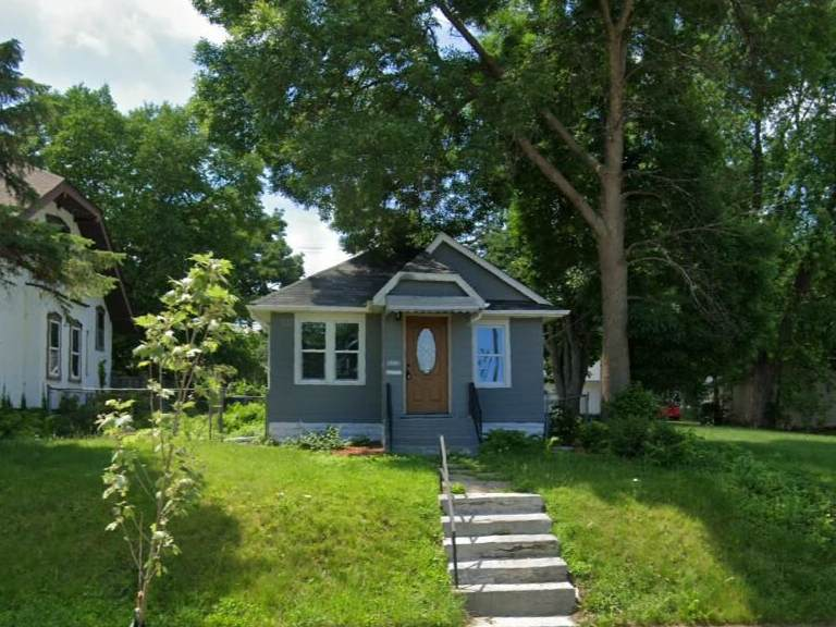 3237 Russell Avenue - Photo 1