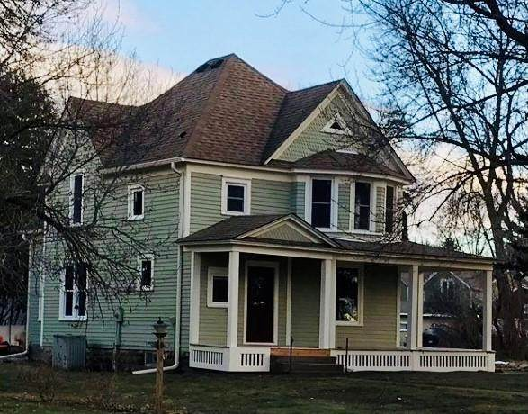 142 N Arch Avenue, New Richmond, WI 54017 (#5758240) :: Bos Realty Group