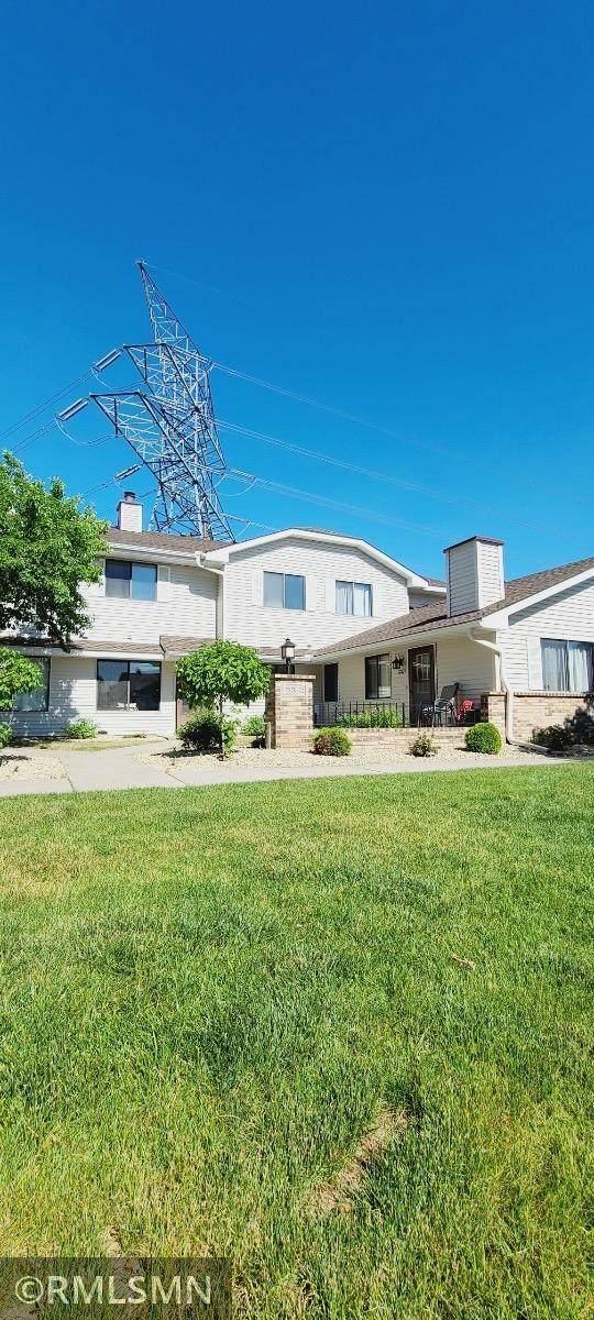 7572 Vinewood Court #572, Maple Grove, MN 55311 (#6008474) :: Carol Nelson   Edina Realty