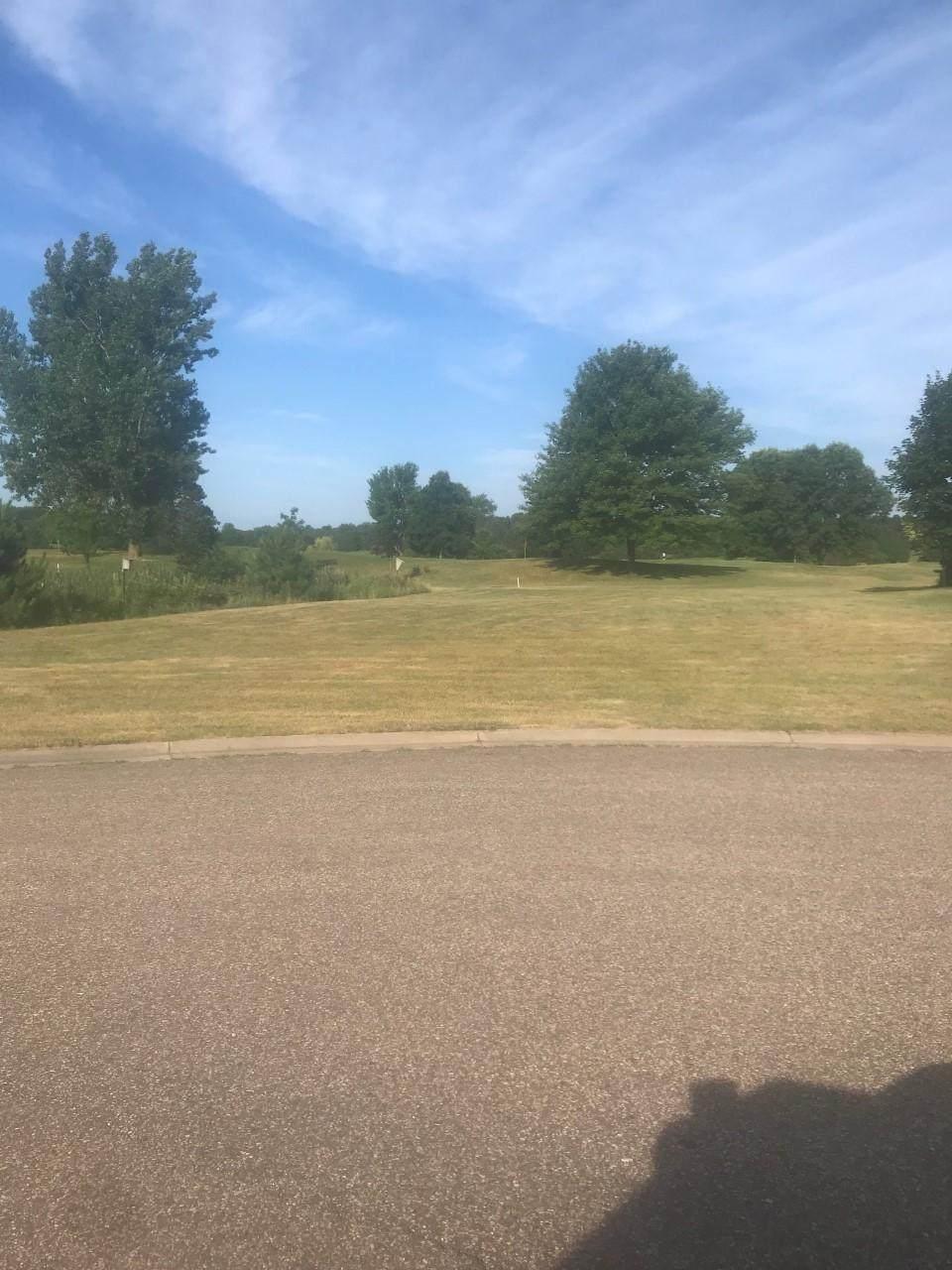 783 Golf Way - Photo 1