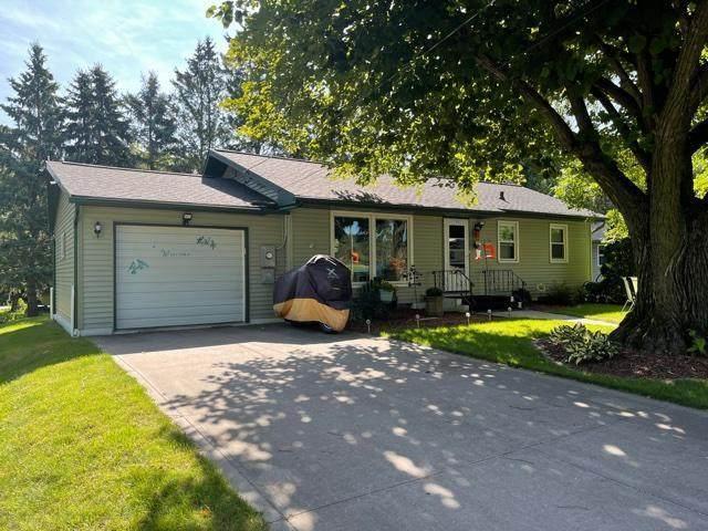 740 4th Street, Clear Lake, WI 54005 (#6084039) :: Carol Nelson   Edina Realty