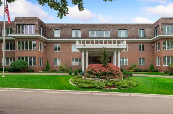 6105 Eden Prairie Road A13, Edina, MN 55436 (MLS #6105476) :: RE/MAX Signature Properties