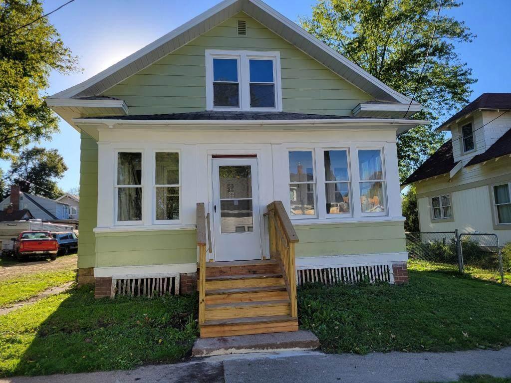 516 Hodgman Street - Photo 1