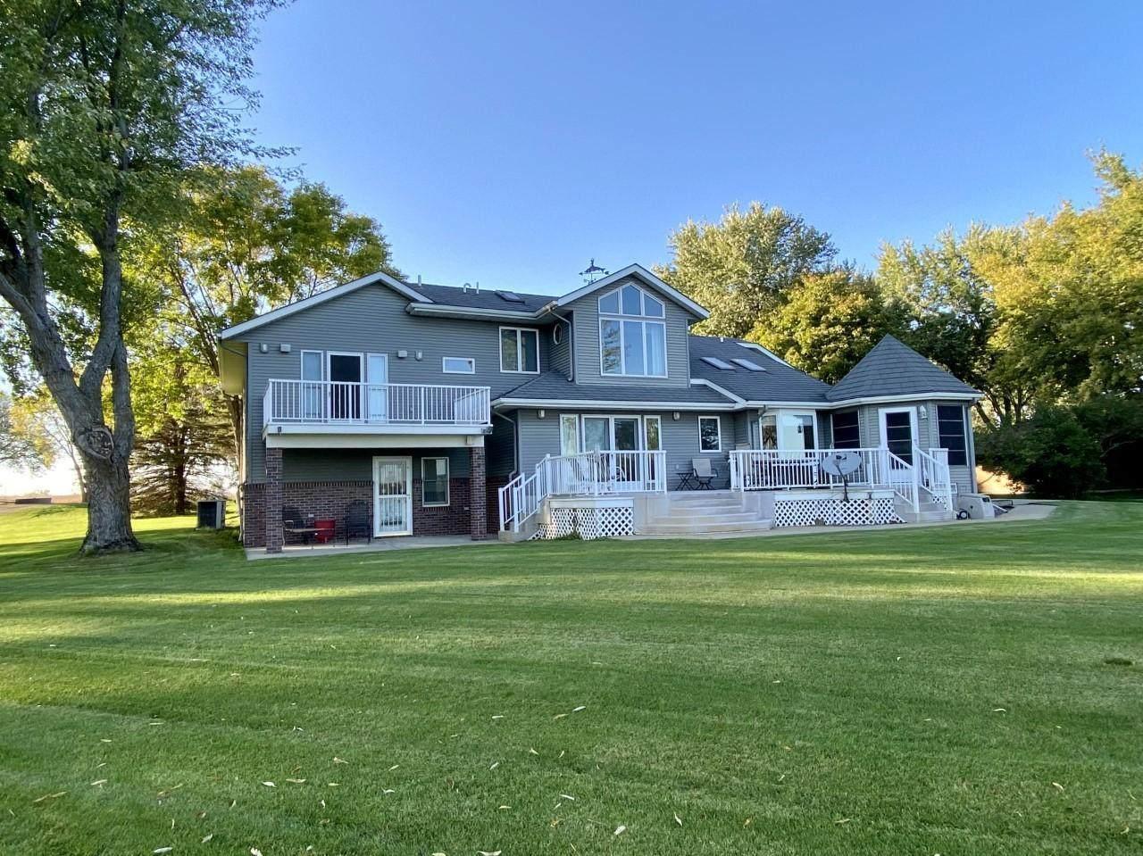 76 Lakeview Drive - Photo 1