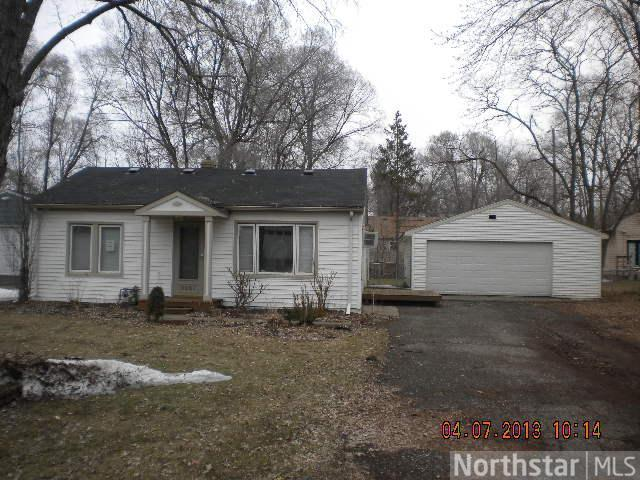 3221 Birch Place, Minnetonka, MN 55305 (#4343907) :: The Preferred Home Team