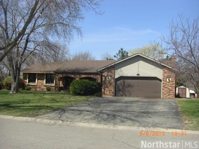 14163 Dresden Court, Apple Valley, MN 55124 (#4356140) :: The Preferred Home Team