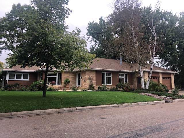 106 Lee Place, Albert Lea, MN 56007 (#5220274) :: The Michael Kaslow Team