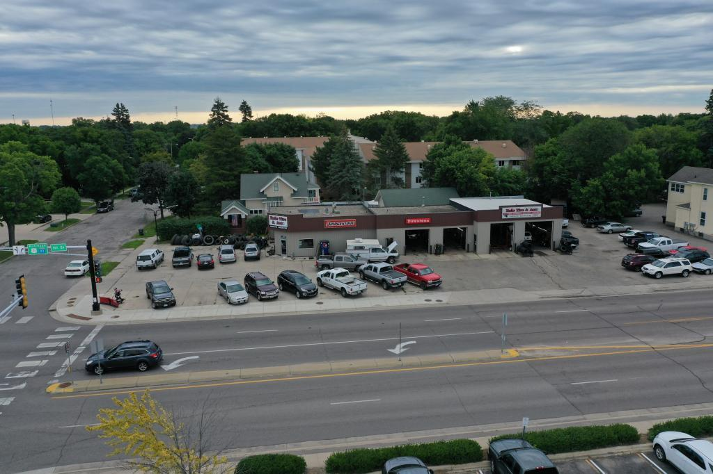 104 Litchfield Avenue - Photo 1