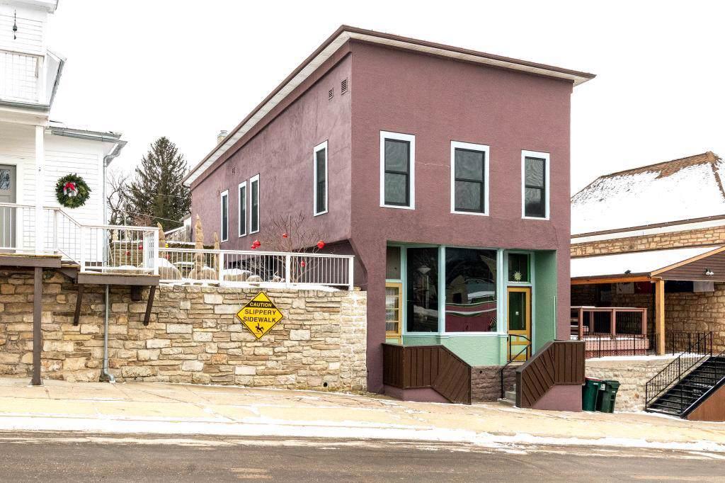 105 Elmwood St - Photo 1