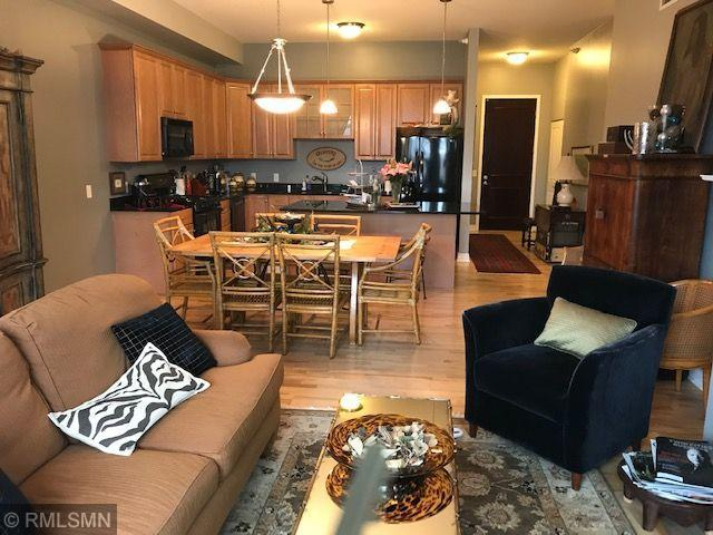 301 Clifton Avenue 2J, Minneapolis, MN 55403 (#5255187) :: Bre Berry & Company