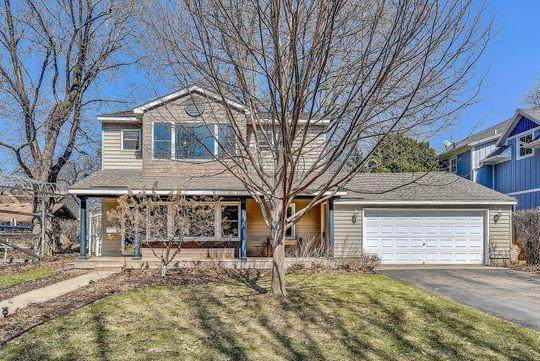 165 Maple Street, Excelsior, MN 55331 (#5541596) :: Bre Berry & Company
