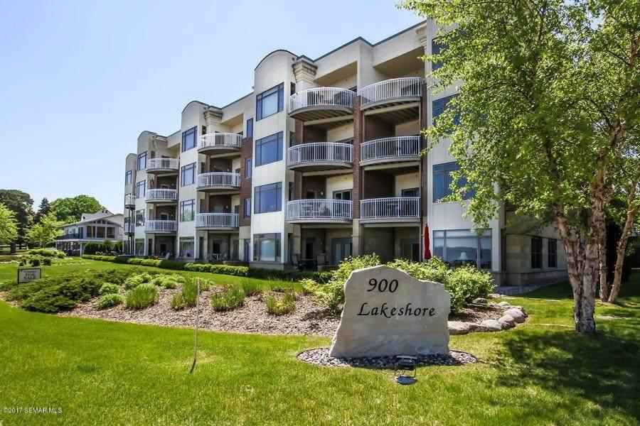 900 Lakeshore Drive - Photo 1